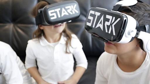 The Hottest Christmas Gift of 2016-Virtual Reality Headsets and Glasses