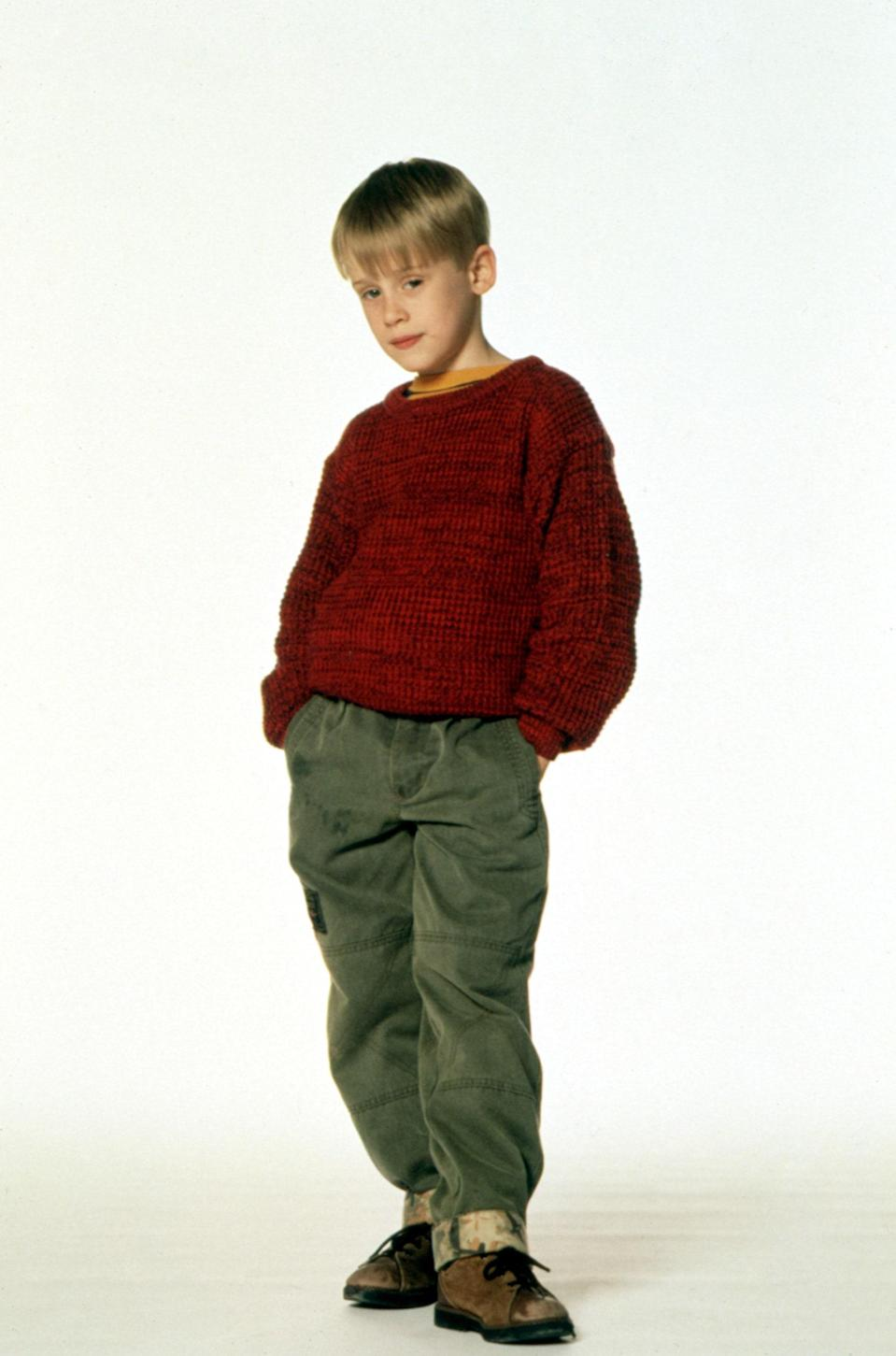 """<h1 class=""""title"""">HOME ALONE, Macaulay Culkin, 1990. TM & Copyright (c) 20th Century Fox Film Corp. All rights reserve</h1><cite class=""""credit"""">©20thCentFox/Courtesy Everett Collection</cite>"""