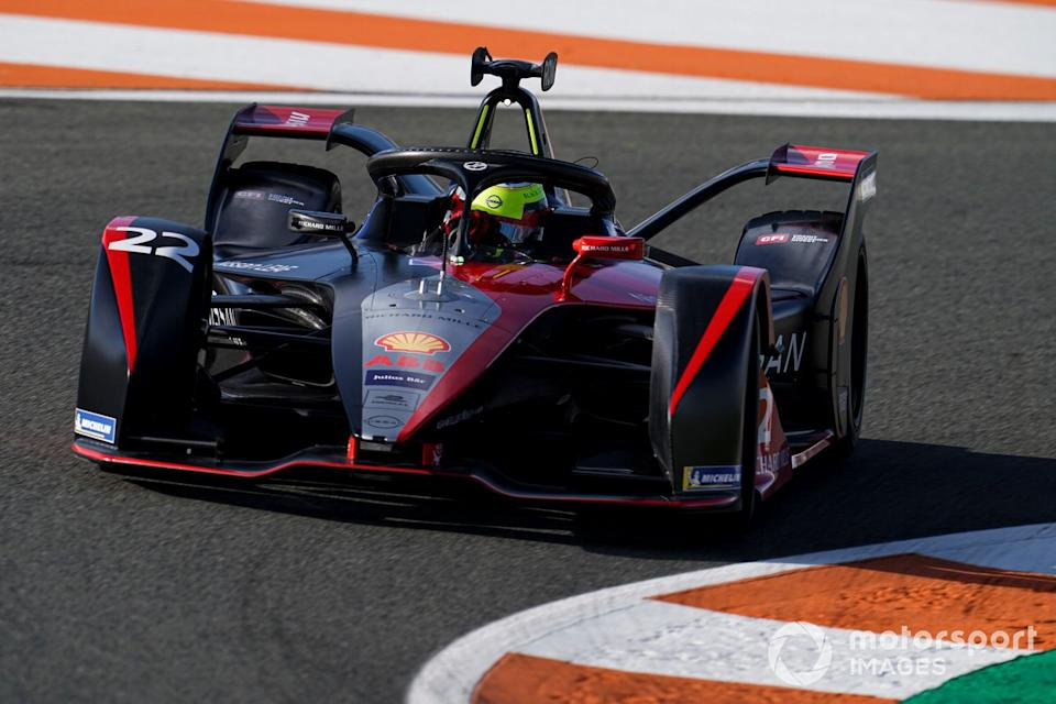 """Oliver Rowland, Nissan e.dams, Nissan IMO2<span class=""""copyright"""">Malcolm Griffiths / Motorsport Images</span>"""