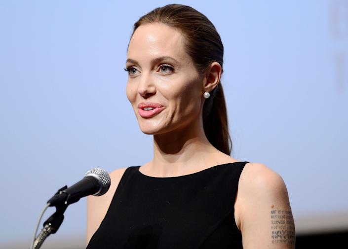 "<a href=""http://www.metro.co.uk/showbiz/66340-angelina-jolies-reefer-madness"" rel=""nofollow noopener"" target=""_blank"" data-ylk=""slk:""… the one that has the worst effect for me was pot. I felt silly and giggly - I hate feeling like that."""" class=""link rapid-noclick-resp"">""… the one that has the worst effect for me was pot. I felt silly and giggly - I hate feeling like that.""</a>"