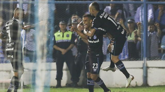 Gremio travelled to Argentina and drew first blood in the opening leg of their quarter-final tie thanks to Alisson and Everton.