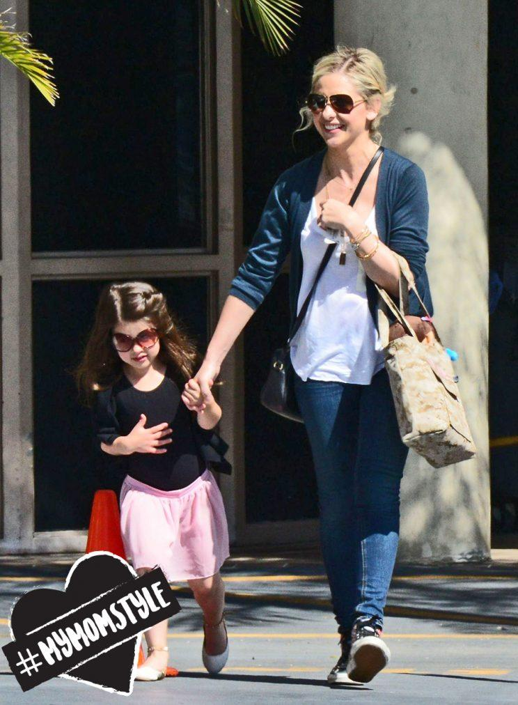 Sarah Michelle Gellar and her daughter in Los Angeles. (Photo: Beverly News/REX/Shutterstock)
