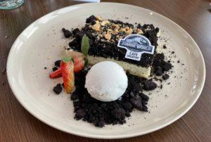 The Fossil Excavation Cake (S). Photo: Coconuts