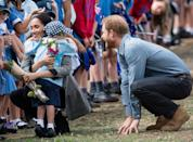 <p>Luke then couldn't wait to give Meghan a hug after meeting Harry at Dubbo airport.</p>