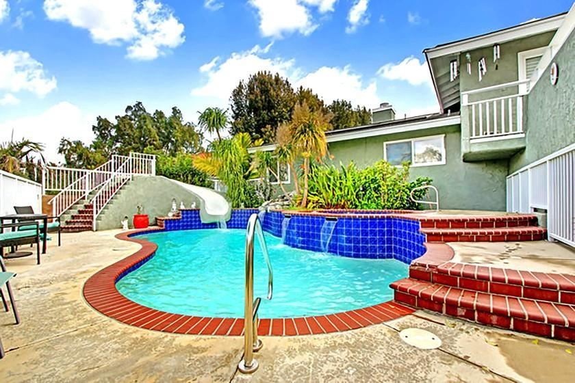 Pool homes for $700,000 in three Ventura County cities