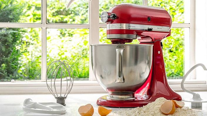 Save on the KitchenAid stand mixer of your dreams right now.
