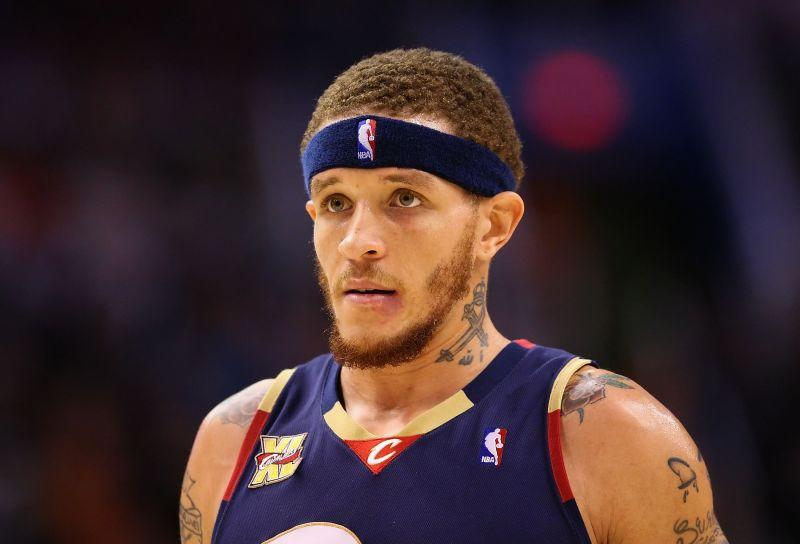 Delonte West #13 of the Cleveland Cavaliers during the NBA game against of the Phoenix Suns at US Airways Center on December 21, 2009 in Phoenix, Arizona.