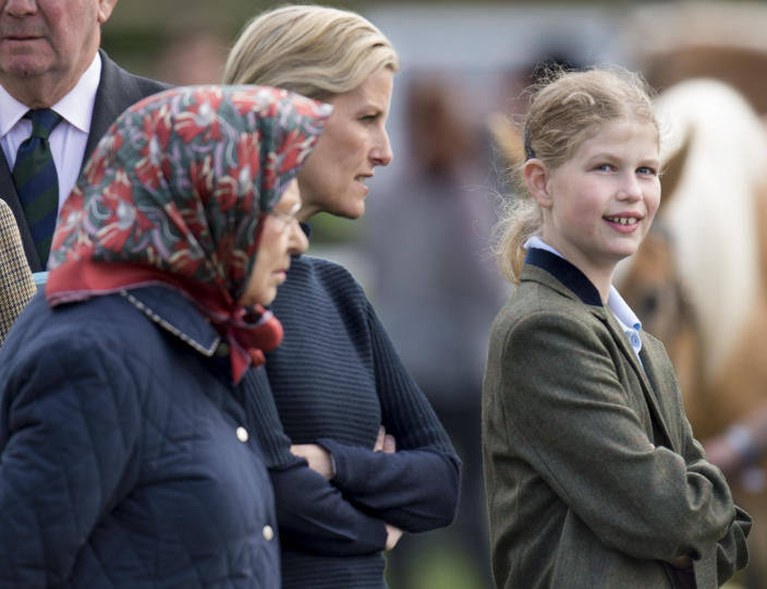 WINDSOR, ENGLAND - MAY 15:  Queen Elizabeth II with Sophie, Countess of Wessex and Lady Louise Windsor attend the Royal Windsor Horse show in the private grounds of Windsor Castle on May 15, 2015 in Windsor, England.  (Photo by Mark Cuthbert/UK Press via Getty Images)