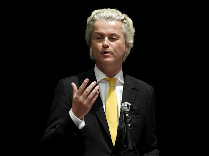 REFILE - ADDING INFORMATION Dutch Parliamentarian Geert Wilders speaks at the Muhammad Art Exhibit and Contest sponsored by the American Freedom Defense Initiative in Garland, Texas May 3, 2015. Two gunman who opened fire on Sunday at the anti-Islam art exhibit featuring depictions of the Prophet Mohammad were themselves shot dead at the scene, a local CBS television affiliate and other local media reported, citing Garland police. REUTERS/Mike Stone