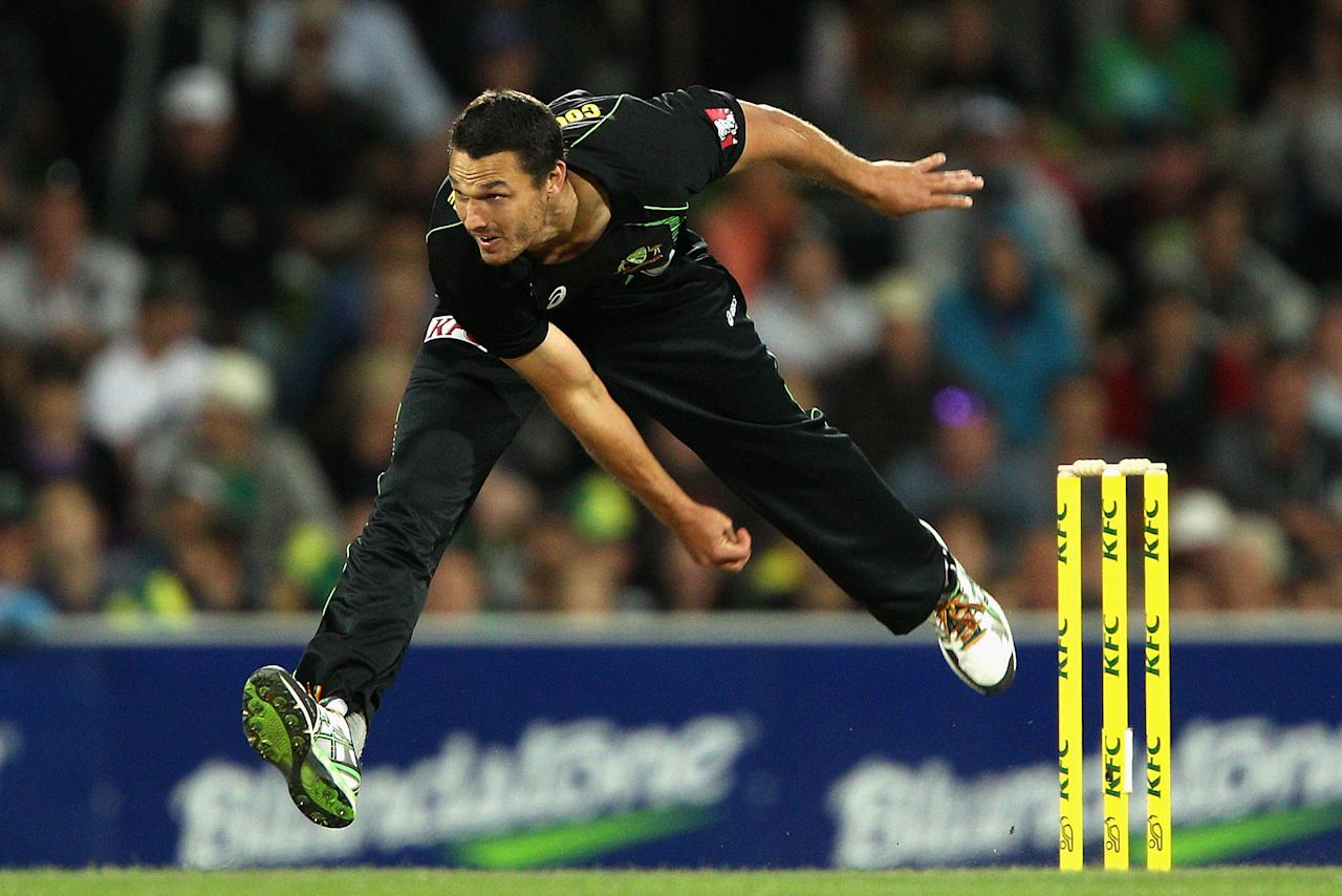 HOBART, AUSTRALIA - JANUARY 29:  Nathan Coulter-Nile of Australia bowls during game one of the International Twenty20 series between Australia and England at Blundstone Arena on January 29, 2014 in Hobart, Australia.  (Photo by Robert Prezioso/Getty Images)