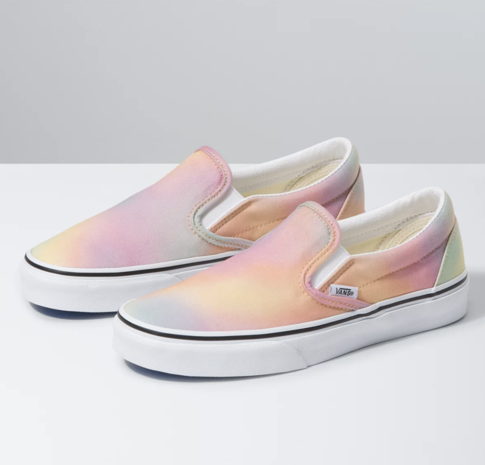 """<p><strong>Vans</strong></p><p>vans.com</p><p><strong>$60.00</strong></p><p><a href=""""https://go.redirectingat.com?id=74968X1596630&url=https%3A%2F%2Fwww.vans.com%2Fshop%2Fwomens-shoes%2Faura-shift-slip-on-multi-true-white&sref=https%3A%2F%2Fwww.seventeen.com%2Ffashion%2Fg31747530%2Fbest-sneaker-brands%2F"""" target=""""_blank"""">Shop Now</a></p><p>The black and white checkered <a href=""""https://www.vans.com/"""" target=""""_blank"""">Vans</a> will always be a classic sneaker, but the skate brand has expanded with cool ombre effects and even more fun prints (read: tie-dye).</p>"""