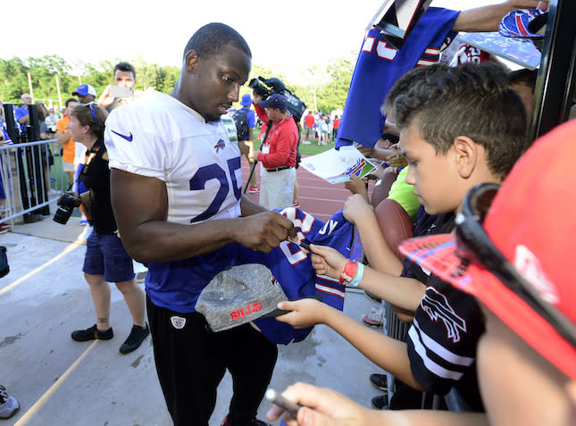 Liz Loza says signing LeSean McCoy up in Round 1 is a wise move. (AP)