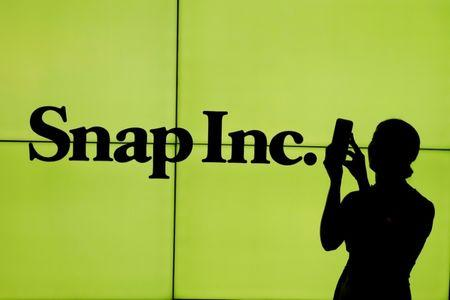 Snap Inc. (NYSE:SNAP) Receives Sell Rating from Summit Redstone