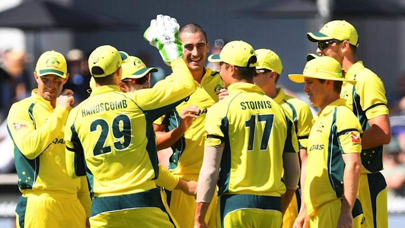 Sri Lanka set Australia 319 for ODI win