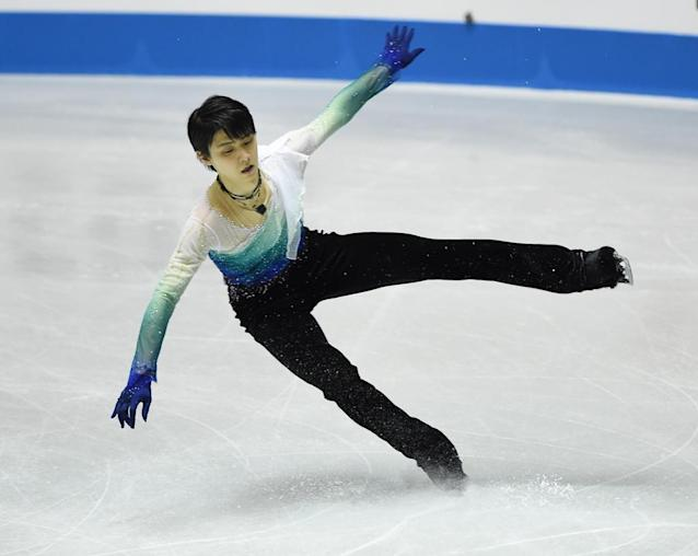 Yuzuru Hanyu of Japan performs during the free skating event of the men's singles in the World Team Trophy figure skating competition in Tokyo on April 21, 2017. (AFP Photo/Toru YAMANAKA)