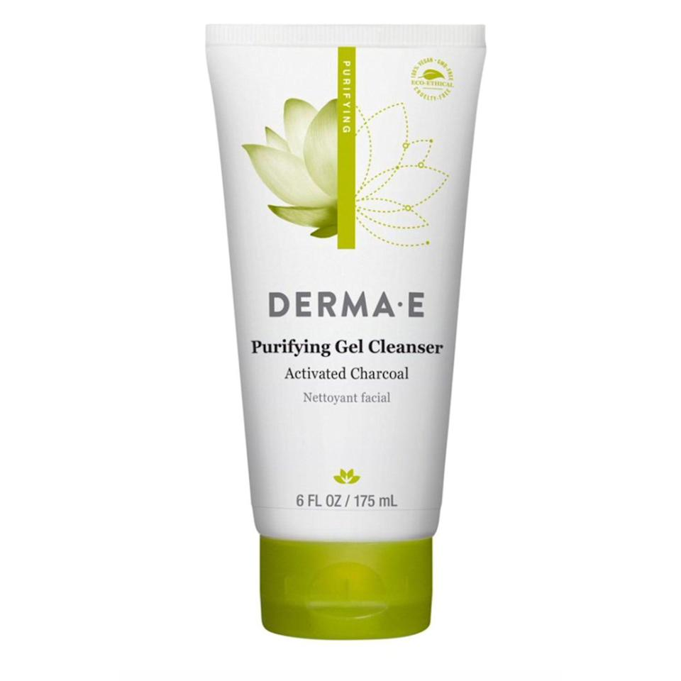 """<p><strong>Derma E</strong></p><p>walmart.com</p><p><strong>$11.50</strong></p><p><a href=""""https://go.redirectingat.com?id=74968X1596630&url=https%3A%2F%2Fwww.walmart.com%2Fip%2F127554898&sref=https%3A%2F%2Fwww.thepioneerwoman.com%2Fbeauty%2Fg34963365%2Fbest-gel-cleansers%2F"""" rel=""""nofollow noopener"""" target=""""_blank"""" data-ylk=""""slk:Shop Now"""" class=""""link rapid-noclick-resp"""">Shop Now</a></p><p>If you love a charcoal mask, this cleanser is for you: Activated charcoal removes impurities from your face, and wakame seaweed helps to protect your skin from pollution. It also contains green tea with free radical-fighting antioxidants and hydrating aloe leaf juice.</p>"""