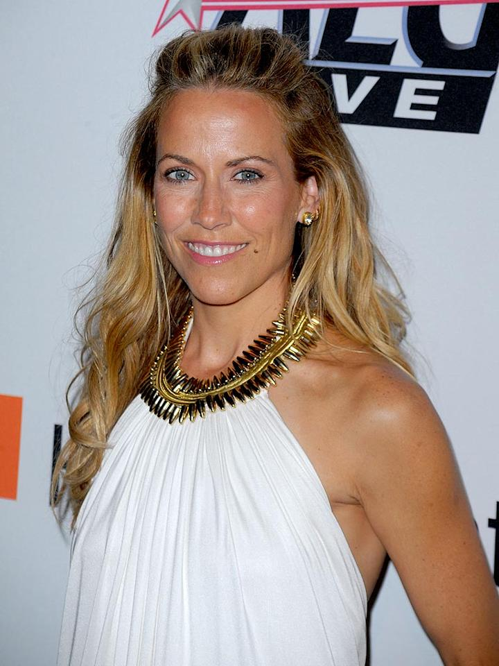 "Sheryl Crow has targeted plastic water bottles and global warming in her fight for a healthier world. In 2007, she performed in college towns and showed clips of Al Gore's ""An Inconvenient Truth"" during a two-week tour with her bestie, environmentalist Laurie David. Jason Merritt/<a href=""http://www.gettyimages.com/"" target=""new"">GettyImages.com</a> - January 30, 2010"