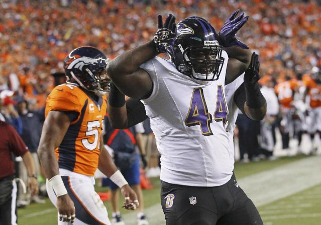 Baltimore Ravens Vonta Leach reacts after scoring a touchdown on a catch and run play during the first quarter against the Denver Broncos in their NFL football game in Denver, Colorado September 5, 2013. REUTERS/Rick Wilking (UNITED STATES - Tags: SPORT FOOTBALL)