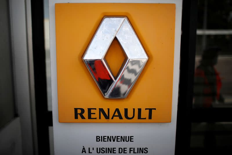 Renault must stop developing capacity abroad in exchange for state support - minister