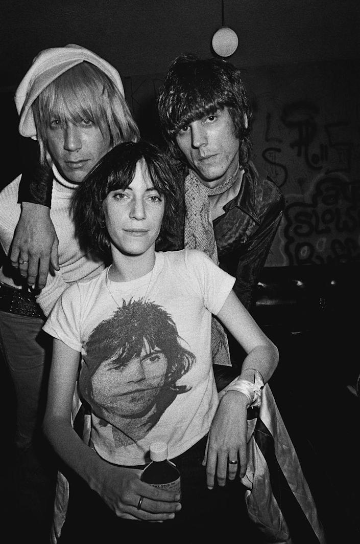 <p>Patti Smith poses with Iggy Pop and James Williamson of The Stooges in November 1974 backstage at the Whisky a Go Go in Los Angeles California.</p>
