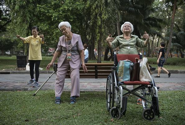 How virtual reality is helping elderly folks exercise