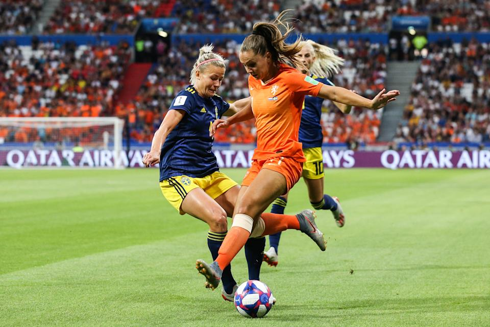 Jackie Groenen of Netherlands competes for the ball during the 2019 FIFA Women's World Cup France Semi Final match between Netherlands and Sweden at Stade de Lyon on July 03, 2019 in Lyon, France. (Photo by Zhizhao Wu/Getty Images)
