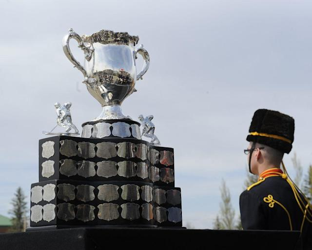 <em>The Memorial Cup is given to the champion of the Canadian Hockey League. Photo by Aaron Bell/CHL Images</em>
