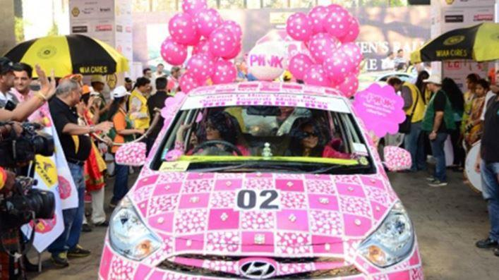 """'Pink' dominated the theme. (Photo courtesy: <a href=""""https://twitter.com/search?q=mumbai%20women%20rally&src=typd"""" rel=""""nofollow noopener"""" target=""""_blank"""" data-ylk=""""slk:Twitter"""" class=""""link rapid-noclick-resp"""">Twitter</a>/DarshanPise)"""