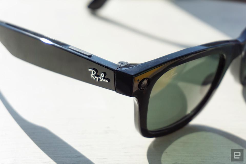 <p>Ray-Ban Stories capture button</p>