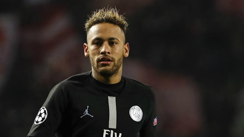 Neymar in PSG contract talks, says father