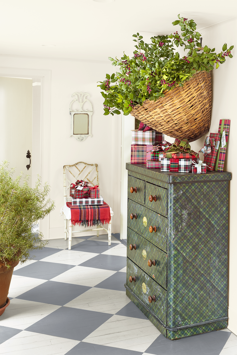 """<p>Choose pretty plaids for your wrapping paper and <a href=""""https://www.countryliving.com/shopping/gifts/g2127/cheap-christmas-gifts/"""" rel=""""nofollow noopener"""" target=""""_blank"""" data-ylk=""""slk:your gifts"""" class=""""link rapid-noclick-resp"""">your gifts</a> will become a display-worthy work of art. Round 'em all up to feature in your entryway on tables and even chairs.</p><p><a class=""""link rapid-noclick-resp"""" href=""""https://www.amazon.com/Hallmark-Reversible-Christmas-Wrapping-Bundle/dp/B01M2UWQSW/?tag=syn-yahoo-20&ascsubtag=%5Bartid%7C10050.g.1247%5Bsrc%7Cyahoo-us"""" rel=""""nofollow noopener"""" target=""""_blank"""" data-ylk=""""slk:SHOP PLAID WRAPPING PAPER"""">SHOP PLAID WRAPPING PAPER</a></p>"""