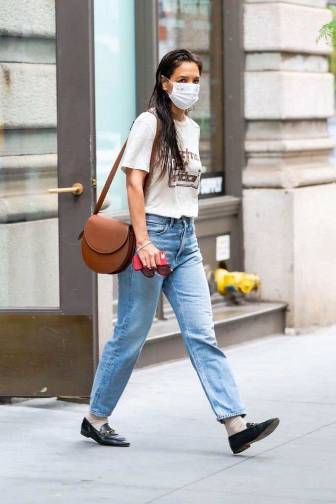 NEW YORK, NEW YORK – JUNE 12: Katie Holmes is seen in Chelsea on June 12, 2021 in New York City. (Photo by Gotham/GC Images)