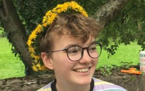 A transgender campaigner named Ben Saunders, 18, sparked the debate in June after asking the company about the feminine symbol on Twitter. Source: Twitter