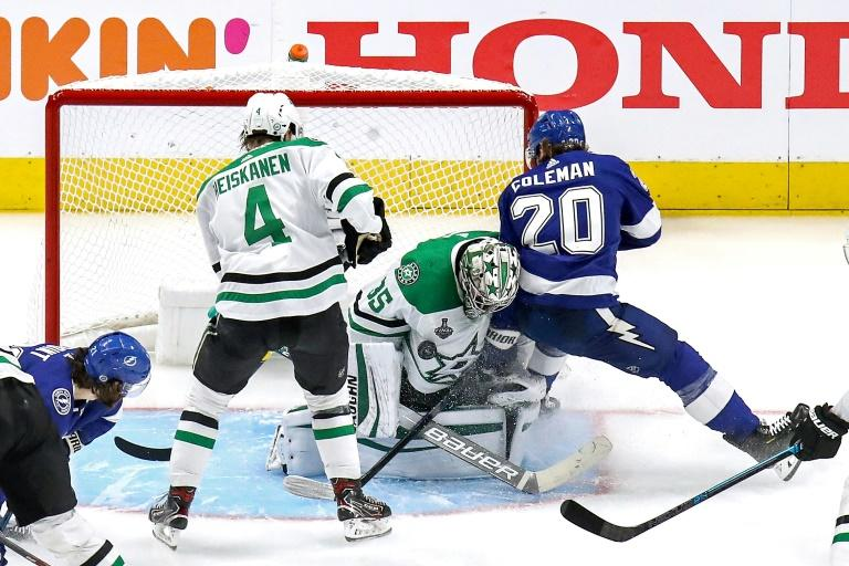 Stars down Lightning 4-1 in Stanley Cup final opener
