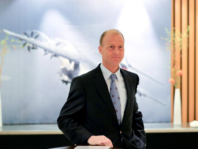 Airbus parent EADS sees Q4 earnings halve
