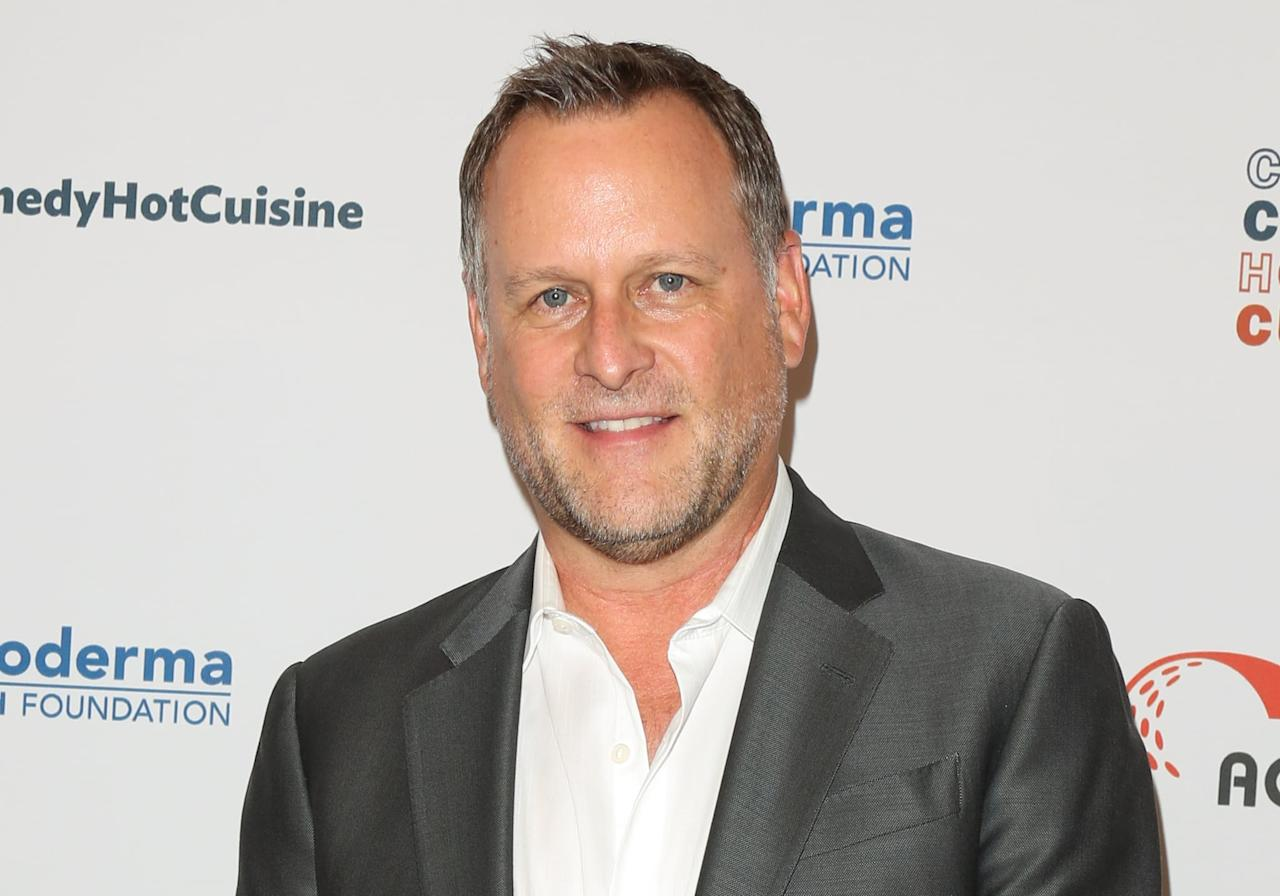 """<p><strong>Full House</strong>'s Dave Coulier plays a fictional version of himself on <strong>Dollface</strong>, where he talks with Stella about retirement over drinks. You'll be able to catch him as Uncle Joey yet again on the reboot <strong><a href=""""https://www.popsugar.com/entertainment/fuller-house-cast-reacts-to-show-wrapping-final-season-46911565"""" class=""""ga-track"""" data-ga-category=""""Related"""" data-ga-label=""""http://www.popsugar.com/entertainment/fuller-house-cast-reacts-to-show-wrapping-final-season-46911565"""" data-ga-action=""""In-Line Links"""">Fuller House</a></strong>! </p>"""