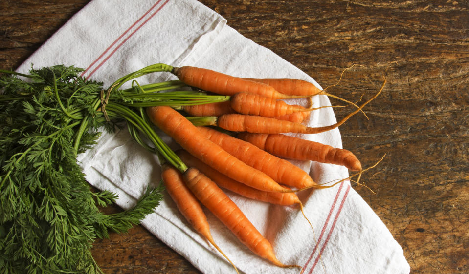 <strong>Carrots:</strong> Other red, yellow and orange veggies such as carrots, sweet potatoes, red peppers and acorn squash are packed with carotenoids, fiber and vitamins, which help in keeping the heart healthy.