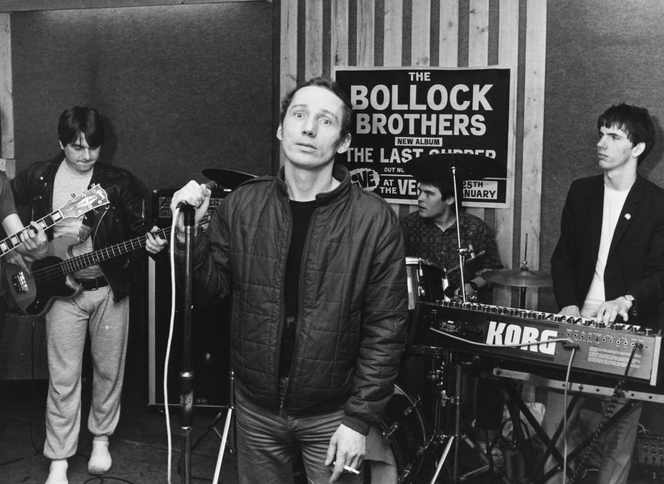 The infamous Michael Fagan, who broke in to the Queen's bedroom in Buckingham Palace, performing with band 'Bollock Brothers', April 26th 1983. (Photo by Dave Hogan/Getty Images)
