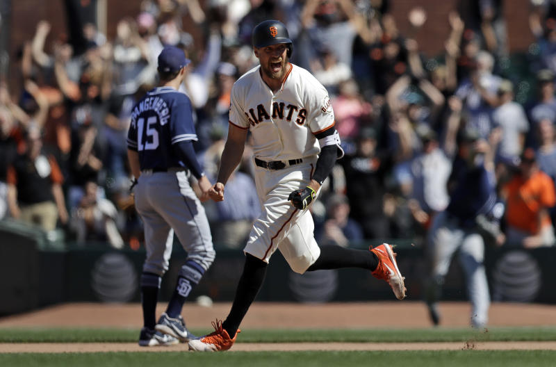57f079d6f Pence s 2-run double in 11th lifts Giants over Padres 3-2