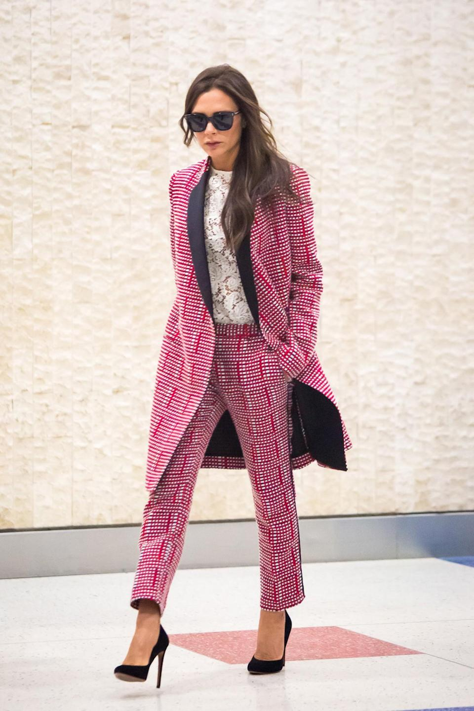 <p>This has to be the ultimate working woman ensemble. Werk. It. <em>[Photo: Getty]</em> </p>