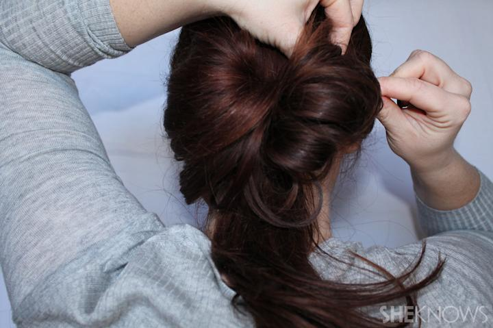 Hair bow | Sheknows.com - step 04