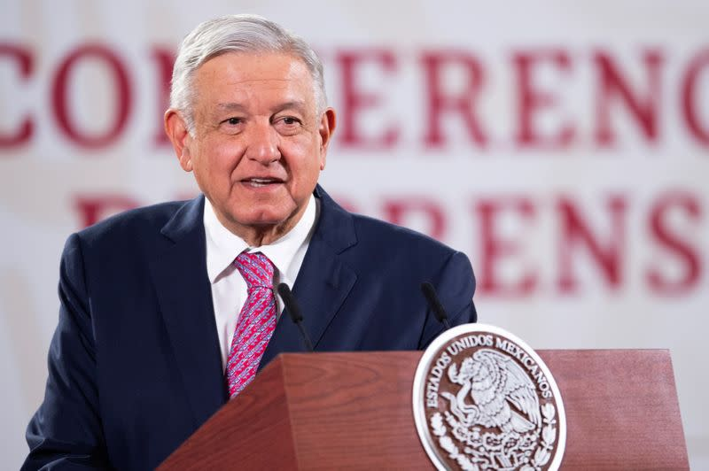 Mexican president to hold first meeting with Trump, Democrats unimpressed
