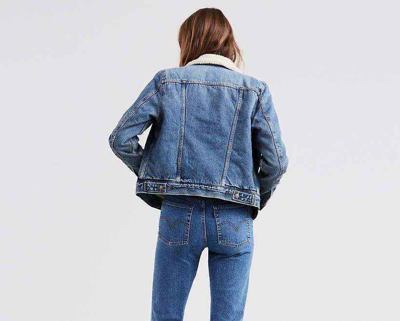 """<p><strong>Levi</strong></p><p>levi.com</p><p><strong>$128.00</strong></p><p><a href=""""https://go.redirectingat.com?id=74968X1596630&url=https%3A%2F%2Fwww.levi.com%2FUS%2Fen_US%2Fclothing%2Fwomen%2Fouterwear%2Foriginal-sherpa-trucker-jacket%2Fp%2F361360003&sref=https%3A%2F%2Fwww.thepioneerwoman.com%2Fholidays-celebrations%2Fgifts%2Fg33985357%2Fbest-gifts-for-mom%2F"""" rel=""""nofollow noopener"""" target=""""_blank"""" data-ylk=""""slk:Shop Now"""" class=""""link rapid-noclick-resp"""">Shop Now</a></p><p>Here's another comfy wardrobe staple pulled straight from Ree's closet: a fluff-lined trucker jacket! Mom can throw it on to elevate the cool factor of any outfit.</p>"""