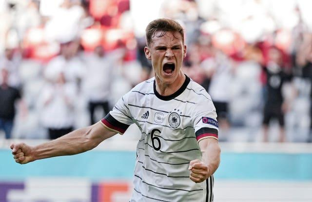 Germany boosted their chances of reaching the last 16 with a 4-2 win against defending champions Portugal
