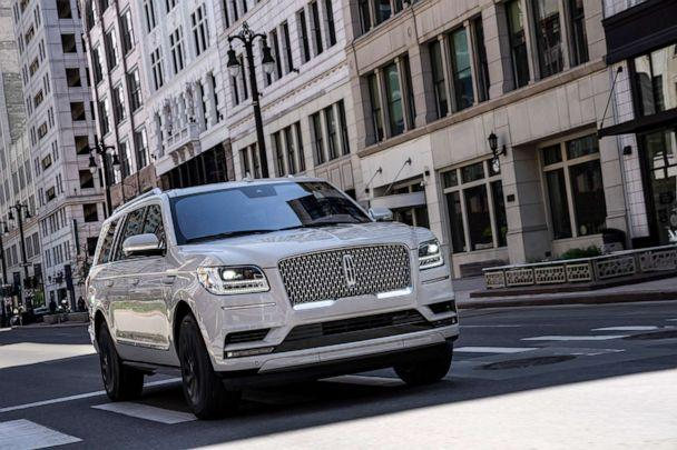 PHOTO: The Navigator is Lincoln's full-size SUV. (Lincoln Motor Co.)