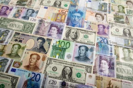 The dollar continued its downward trend in Asia