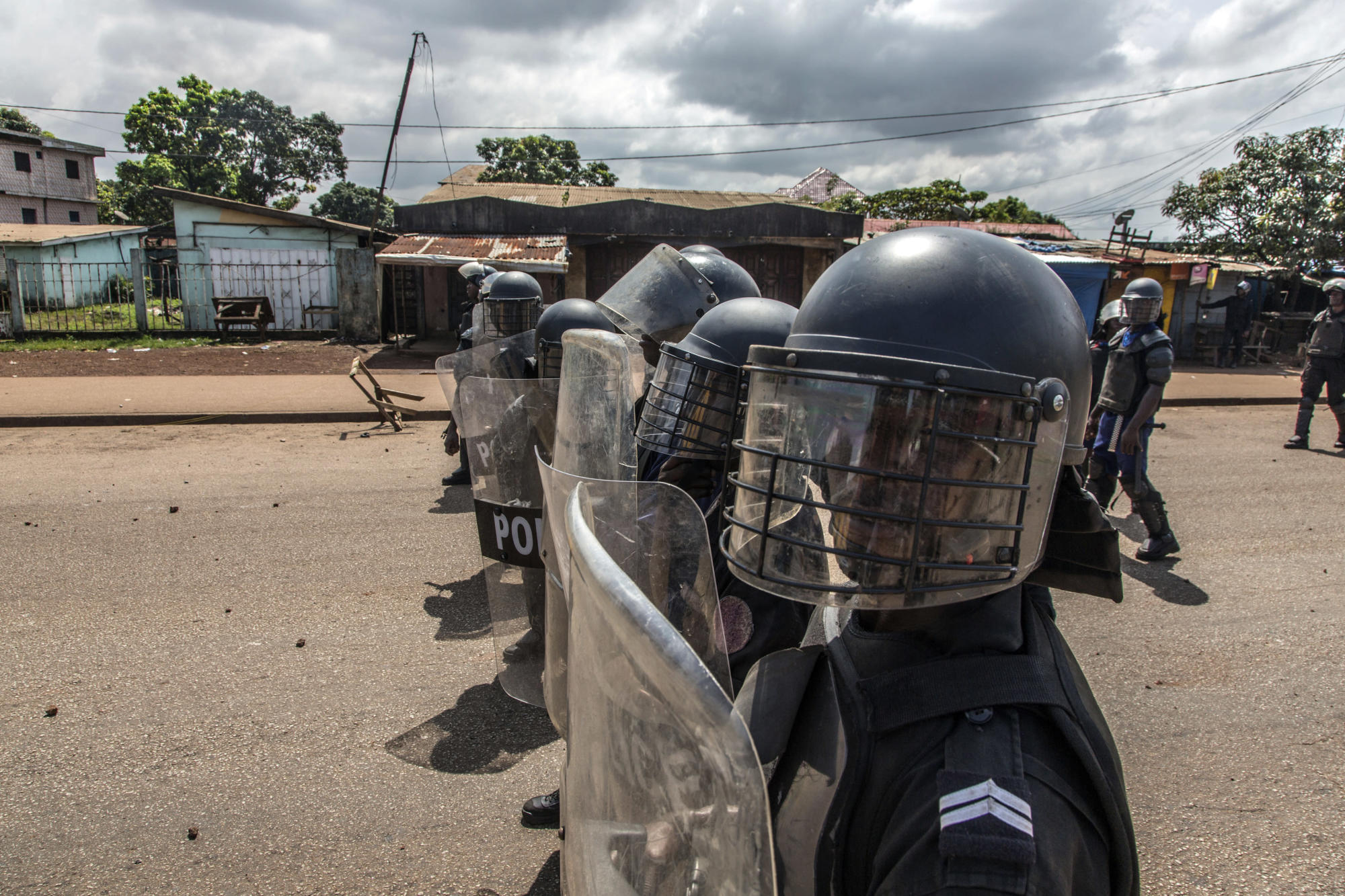 Tension mounts as Guinea awaits presidential poll results