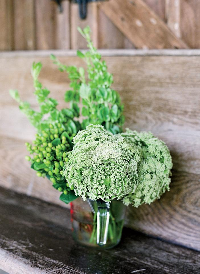 "<p>Bridesmaids' bouquets included bishop's lace for a fresh-picked feel.</p><p> </p><p><strong>Love It? Get It!</strong><br><strong>Flowers:</strong> <a rel=""nofollow"" href=""http://ohmydeerhandmades.blogspot.com"">Chelsea Petaja</a></p><p> </p>"