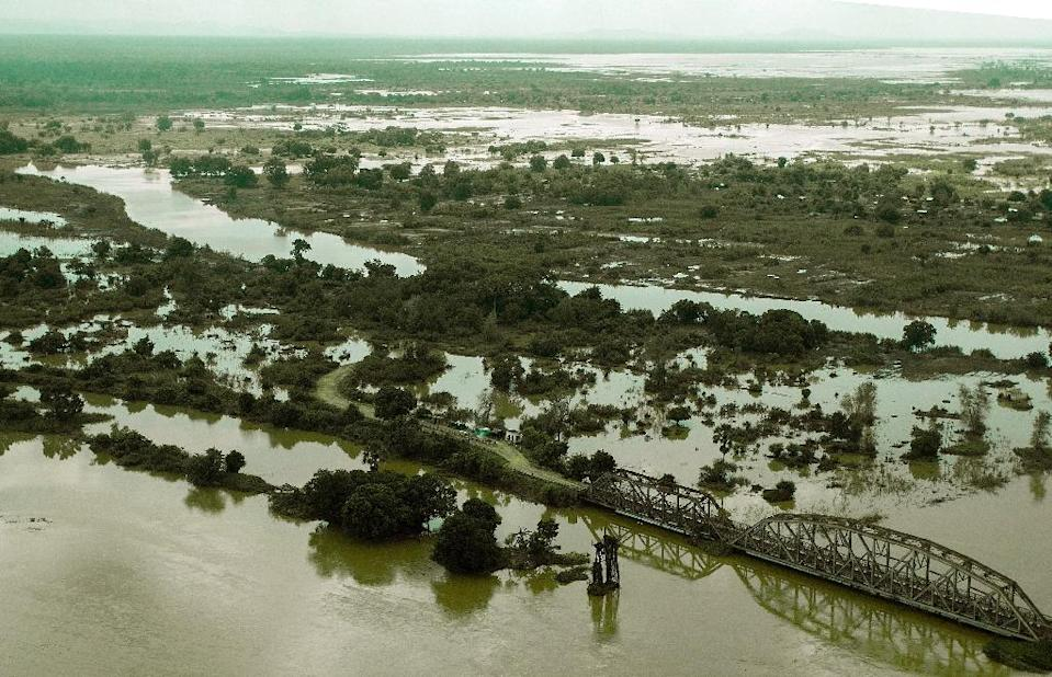 An aerial view taken on January 20, 2015 shows a flooded area at Makhanga in Malawi's most southern district of Nsanje (AFP Photo/Amos Gumulira)