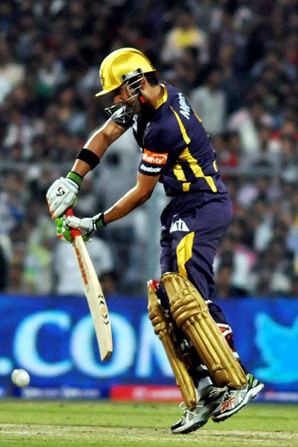 Kolkata Knight Riders player Jacques Kallis in action during IPL T-20 match between KKR and DD at Eden Gardens in Kolkata on April 3, 2013. (Photo: IANS)